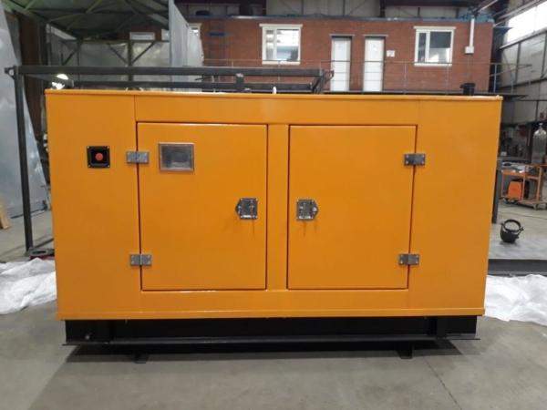 Дизельный генератор IVECO АД-32С-Т400 в кожухе
