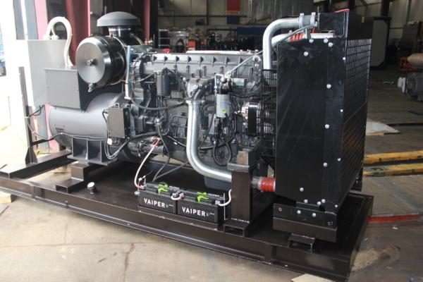 Дизельный генератор IVECO АД-136С-Т400 с АВР